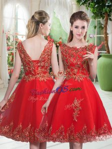 Elegant Knee Length Lace Up Prom Dresses Red for Prom and Party with Beading and Appliques