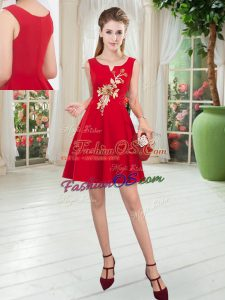 Satin Scoop Sleeveless Zipper Appliques Homecoming Dress in Red