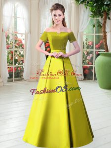 Exquisite Yellow Green Off The Shoulder Lace Up Belt Prom Dresses Short Sleeves