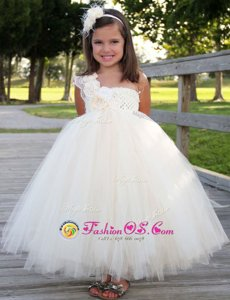 Glittering One Shoulder White Sleeveless Tulle Zipper Toddler Flower Girl Dress for Party and Wedding Party