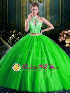 Inexpensive Halter Top High-neck Sleeveless Lace Up Quince Ball Gowns Tulle