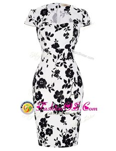 Stunning Knee Length White And Black Mother Of The Bride Dress Chiffon Short Sleeves Pattern and Belt