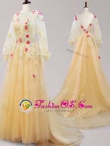 Pretty Scoop Gold Long Sleeves Appliques Backless Evening Dress