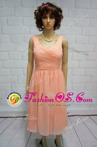 Fashionable Peach Sleeveless Ruching Knee Length Prom Gown