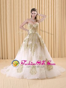 Affordable White Sweetheart Lace Up Appliques Quinceanera Dresses Sweep Train Sleeveless