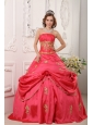 Modern Red Quinceanera Dress Strapless Taffeta Beading and Appliques A-line