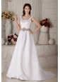 Luxurious Wedding Dress A-line / Princess Scoop Beading Court Train Satin