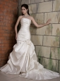 Fashionbale Mermaid Strapless Wedding Dress Chapel Train Taffeta Hand Made Flower