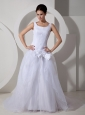 Low Cost A-line Scoop Wedding Dress Court Train Tulle Bows