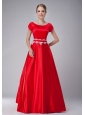 Pretty Red A-line Scoop Mother Of The Bride Dress Taffeta Appliques Floor-length
