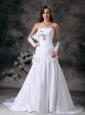 Custom Made A-line Strapless low Cost Wedding Dress Taffeta Hand Made Flowers Court Train