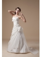 Elegant A-line Sweetheart Low Cost Wedding Dress Taffeta Appliques Brush Train