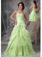 Apple Green A-Line / Princess Sweetheart Prom Dress Taffeta Beading