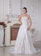 White Strapless Embroidery With Beading Decorate Wedding Dress