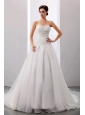 2013 Custom Made Wedding Dress With Sweetheart Appliques A-line Chapel Train