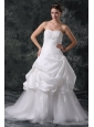Luxurious A-Line Sweetheart Appliques and Beading Lace Up Wedding Dress