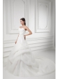 A-line Sweetheart Appliques Pick-ups Chapel Train Wedding Dress