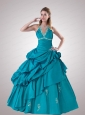 2015 Modest Halter Top Teal Quinceanera Dress with Appliques and Pick-ups