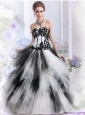 2015 Pretty White and Black Strapless Quinceanera Dresses with Appliques