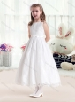 Latest Princess Scoop White Flower Girl Dresses in Lace