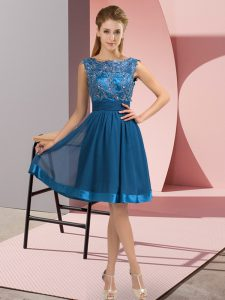 Eye-catching Blue Chiffon Backless Scoop Sleeveless Knee Length Prom Party Dress Appliques