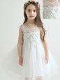 Scoop White Sleeveless Appliques and Bowknot Knee Length Flower Girl Dresses