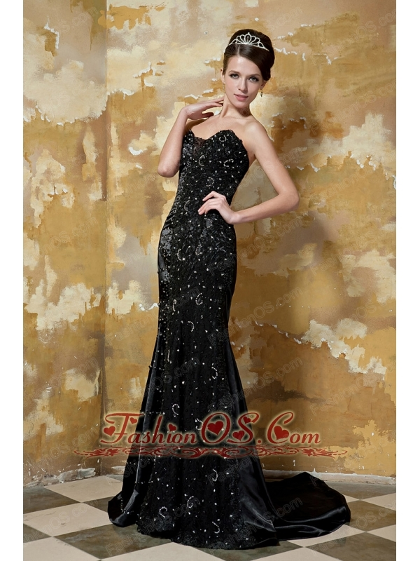 Black Column Sweetheart Brush Train Elastic Woven Satin Beading Prom / Celebrity Dress