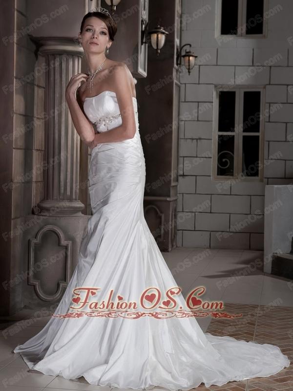 Popular Trumpet / Mermaid Strapless Court Train Taffeta Beading Wedding Dress