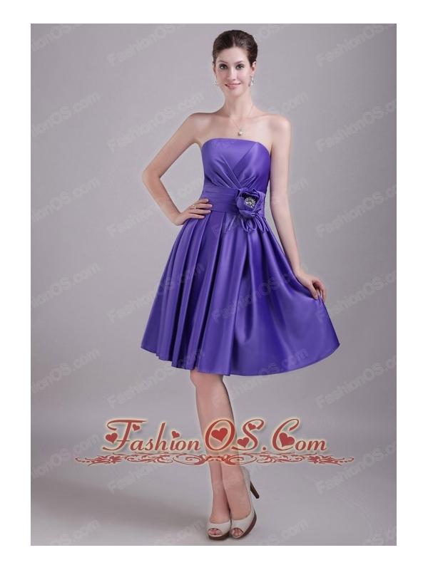 Purple A-line / Princess Strapless Knee-length Satin Handle-made Flower Bridesmaid Dress