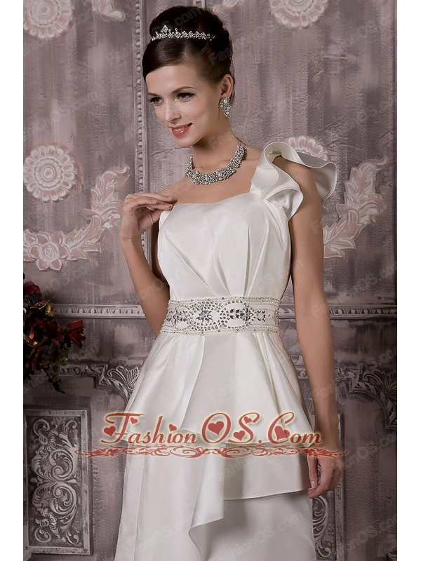 Prefect A-Line / Princess One Shoulder Court Train Taffeta Beading Wedding Dress