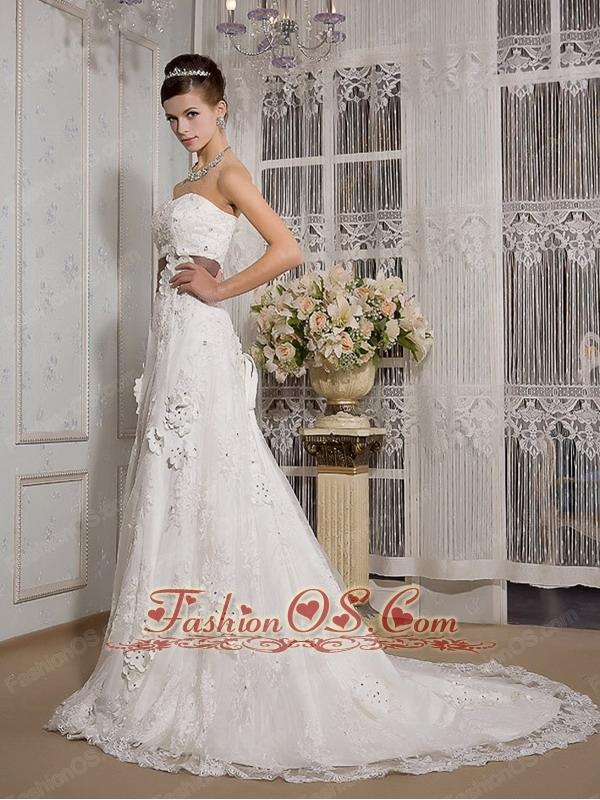 Elegant A-Line / Princess Strapless Court Train Satin and Lace Appliques Wedding Dress