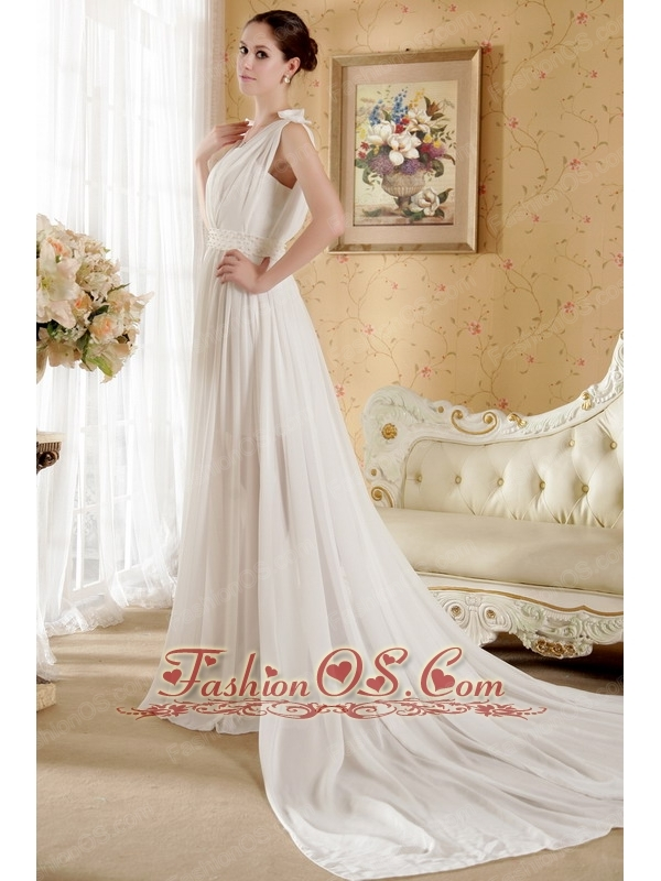 Brand new Empire V-neck Court Train Chiffon Bowknot and Ruch Wedding Dress