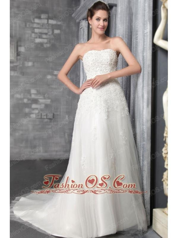 Romantic A-Line / Princess Strapless Court Train Tulle Appliques Wedding Dress