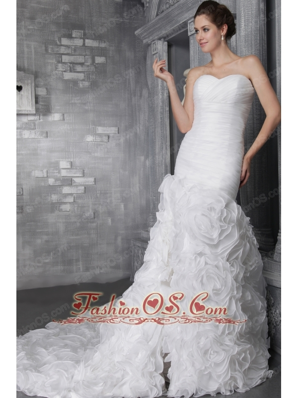 Romantic A-Line / Princess Sweetheart Chapel Train Organza Ruffles Wedding Dress
