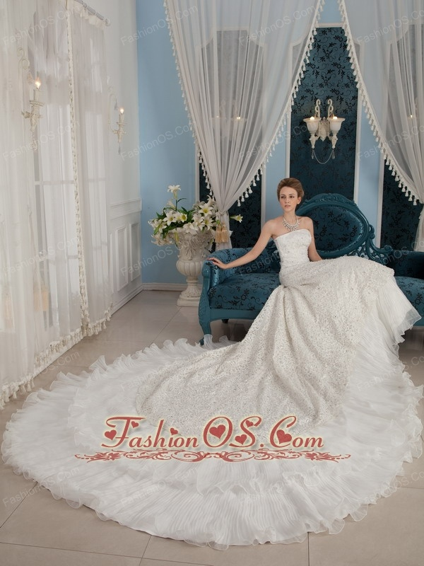 Gorgeous A-Line / Princess Strapless Cathedral Train Beading Wedding Dress