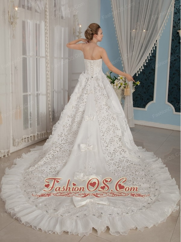 Remarkable A-Line / Princess Strapless Cathedral Train Taffeta Beading Wedding Dress