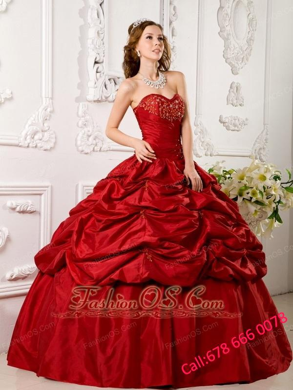 Elegant Red Quinceanera Dress Sweetheart Tafftea Appliques Ball Gown