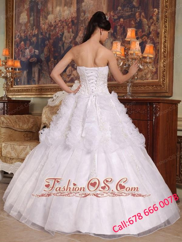 Exquisite White Quinceanera Dress Sweetheart Organza Appliques Ball Gown