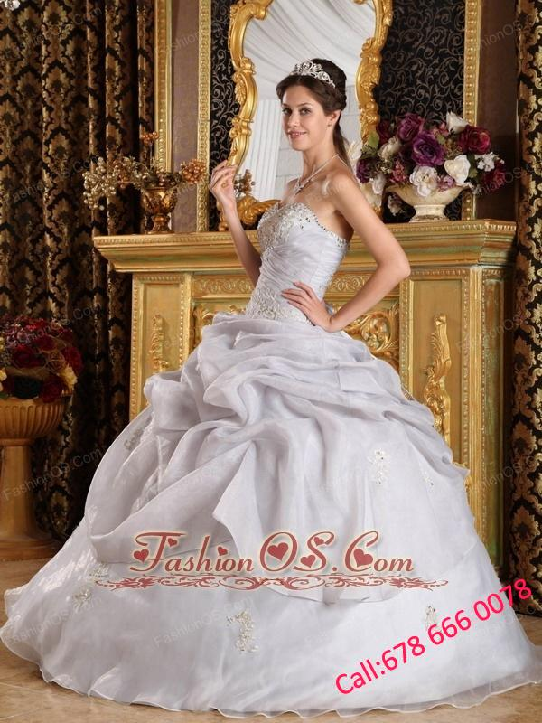Inexpensive Grey Quinceanera Dress Sweetheart Organza Beading Ball Gown