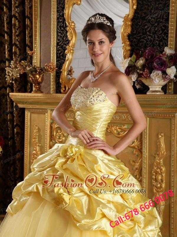 Modest Yellow Quinceanera Dress Taffeta and Tulle Beading Ball Gown