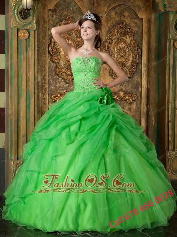 Pretty Spring Green Quinceanera Dress Strapless Organza Beading Ball Gown