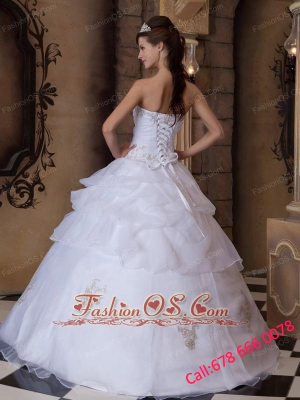 Pretty White Quinceanera Dress Strapless Appliques Satin and Organza  Ball Gown