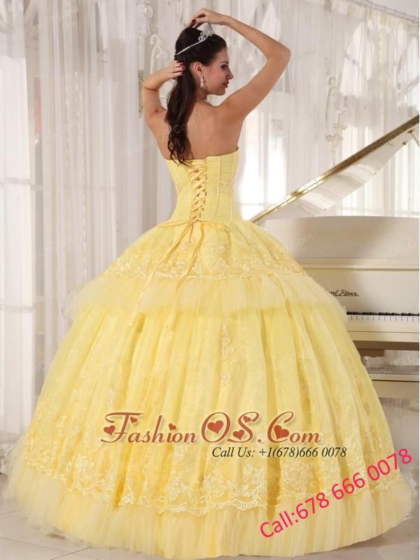 Simple Yellow Quinceanera Dress Sweetheart Organza Appliques Ball Gown