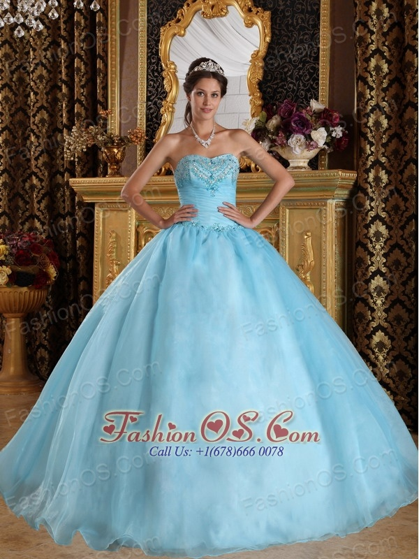 Beautiful Aqua Blue Quinceanera Dress Sweetheart Organza Beading Ball Gown