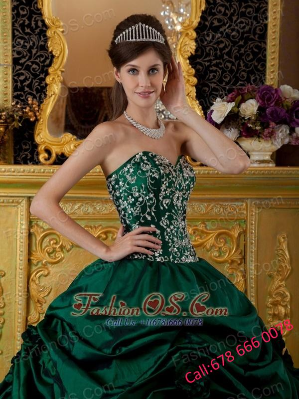 Beautiful Dark Green Quinceanera Dress Sweetheart Taffeta Embroidery Ball Gown