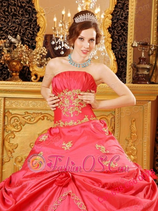 Beautiful Watermelon Red Quinceanera Dress Ball Gown Strapless Taffeta Beading and Appliques Ball Gown