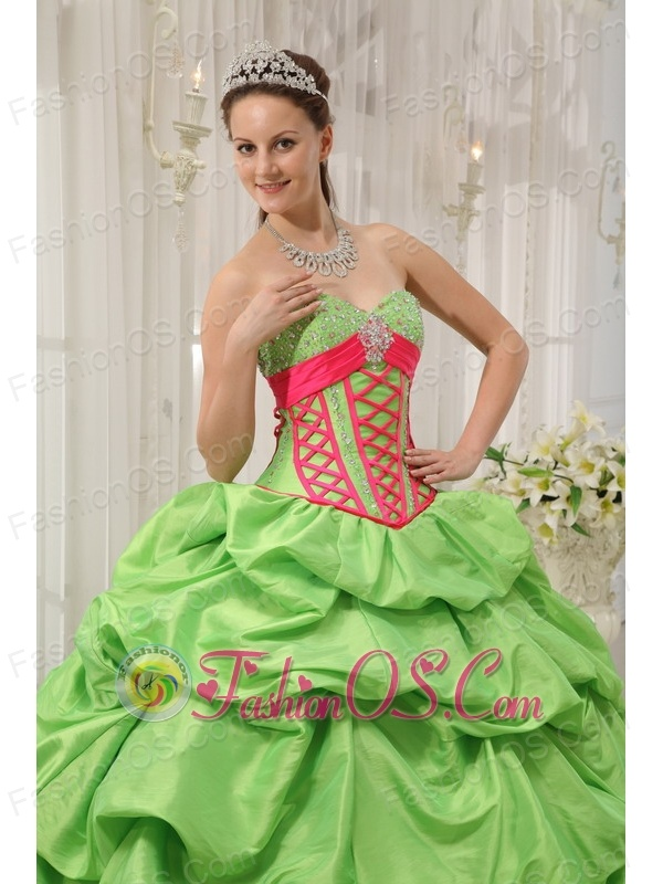 Beautiful Spring Green Quinceanera Dress Sweetheart Taffeta Beading Pick-ups Ball Gown