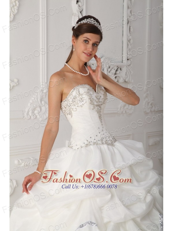 Beautiful White Quinceanera Dress Sweetheart Organza and Taffeta Beading Ball Gown