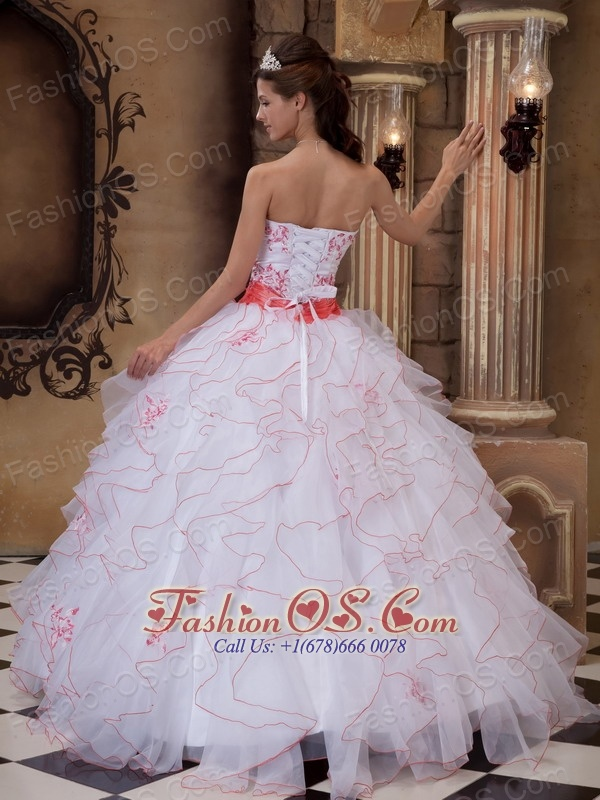 Brand New White Quinceanera Dress Strapless Organza Embroidery Ball Gown