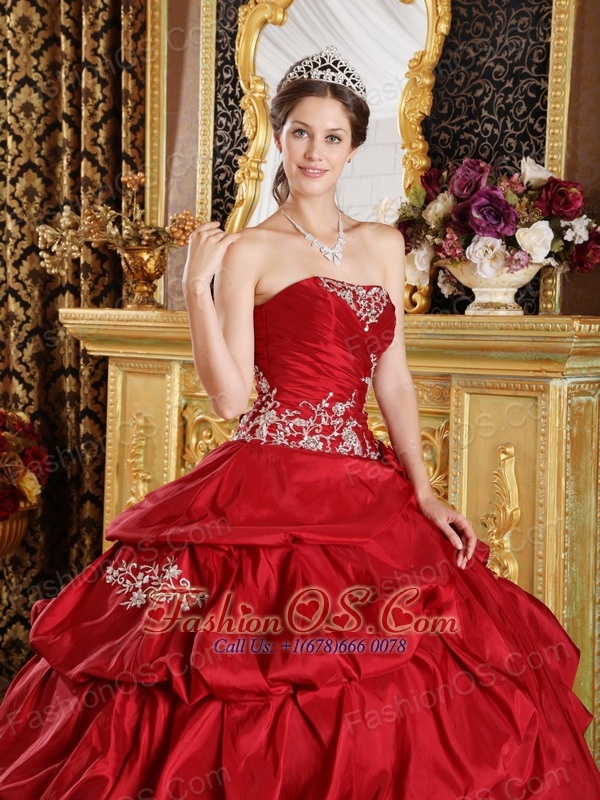 Classical Wine Red Quinceanera Dress Strapless Taffeta Appliques Ball Gown